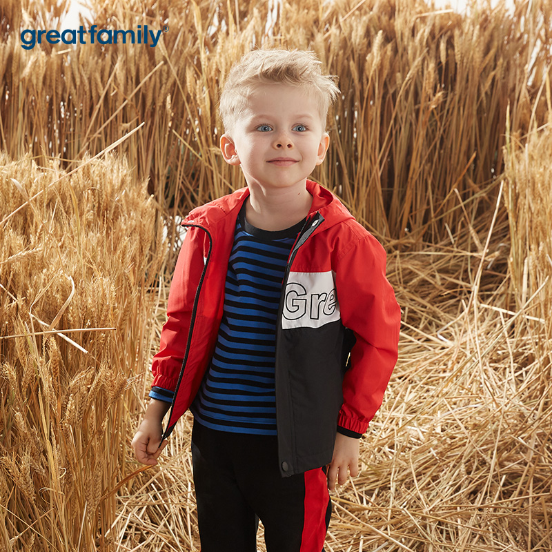歌瑞家男童混色梭织外套连帽上衣红黑拼接秋冬